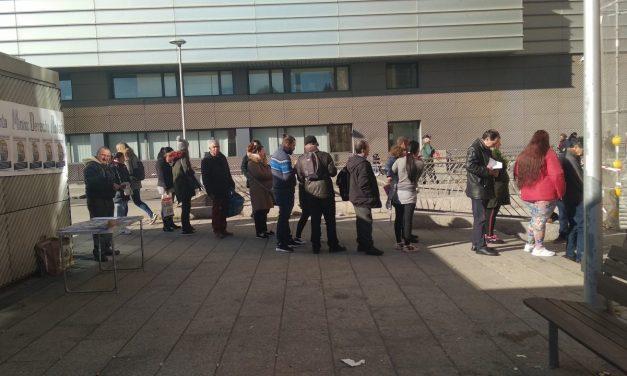 #EsPobreza: concentración contra el maltrato institucional a las familias demandantes de la renta mínima