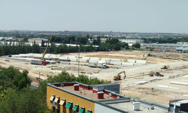 Ruido de cazuelas para que el Ayuntamiento no conceda la licencia de obra de la planta logística de Villaverde hasta aclarar su plan de movilidad