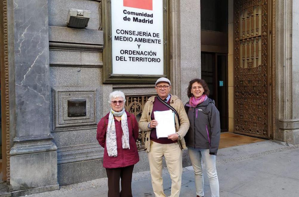 5.000 firmas de Villa de Vallecas contra el traslado a Valdemingómez de la basura del Henares