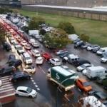 La Copa Davis inunda de coches el barrio de San Fermín