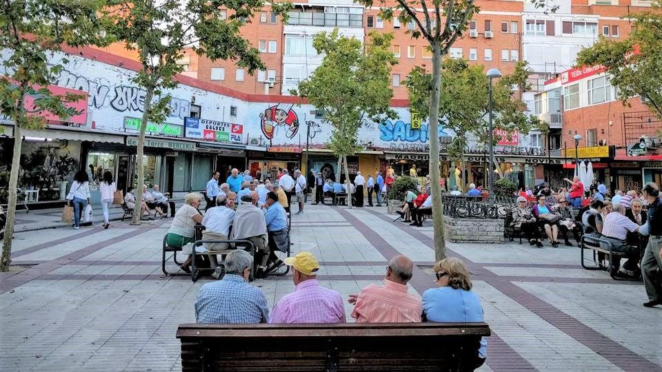 ¡Toda Alcalá ahora! La Asociación Vecinal de Quintana reclama un plan de renovación integral de la calle y no solo parches