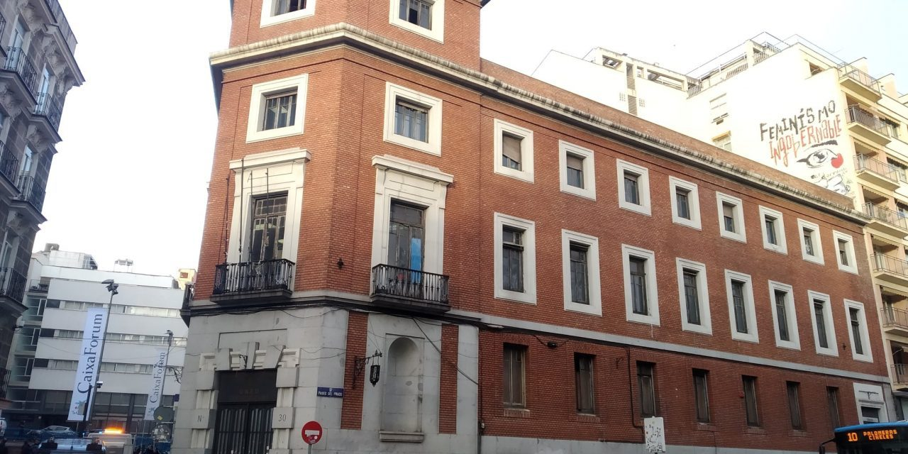 La AV de Letras critica que el Ayuntamiento haya ignorado las necesidades del barrio en su decisión sobre el uso del edificio del Paseo del Prado 30
