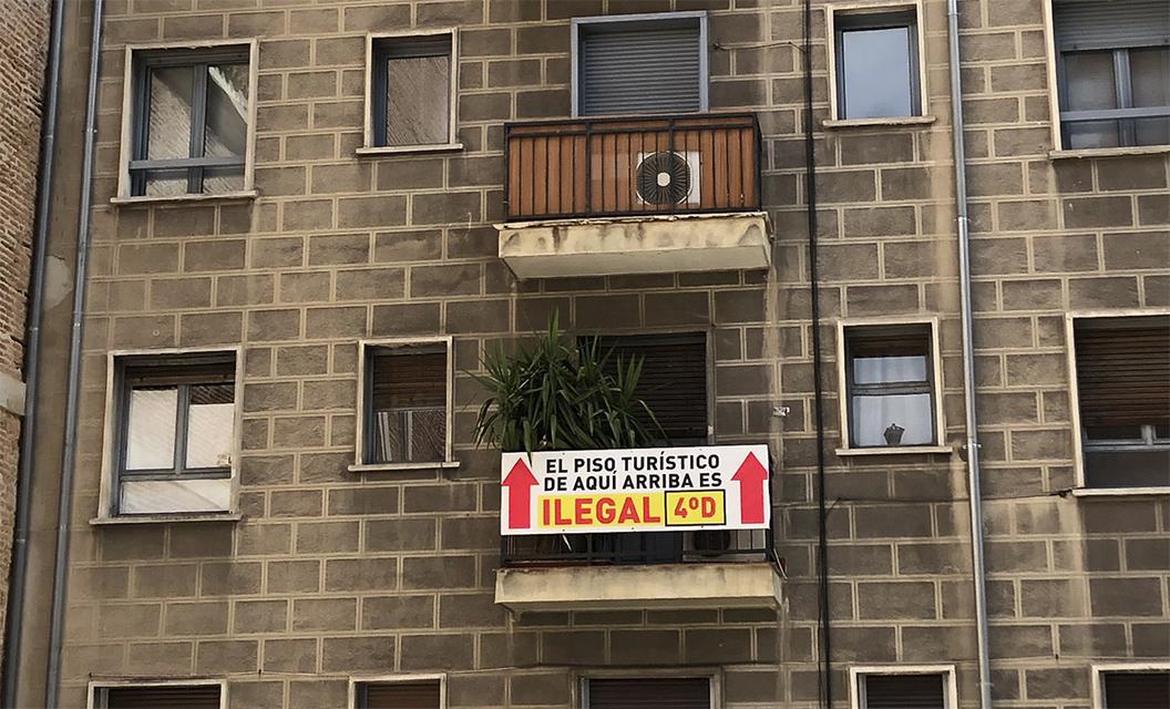Asociaciones vecinales de todo el Estado piden el cierre de los pisos turísticos durante el Estado de Alarma