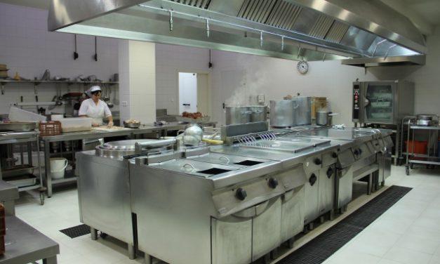 Asociaciones de Carabanchel Alto piden a su concejal el uso de las cocinas disponibles para atender las necesidades alimenticias