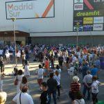 """""""Nada para la privada"""": éxito en la concentración por la sanidad pública ante la Asamblea de Madrid"""