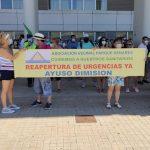 Concentración exprés contra la reducción horaria del Centro de Salud San Fernando II