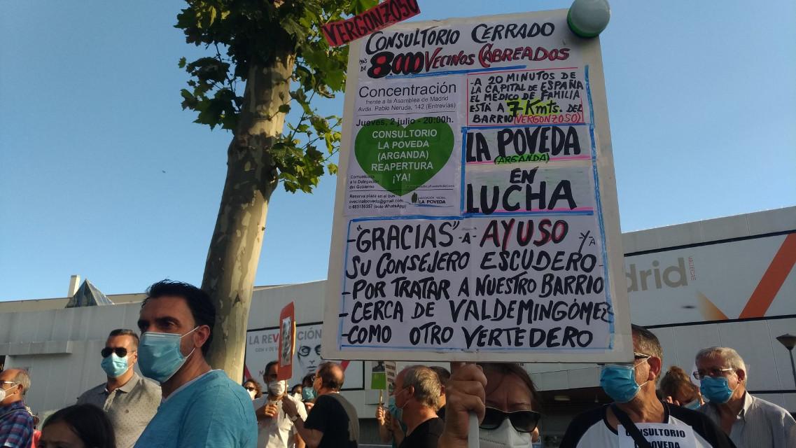 Vuelven las concentraciones vecinales a La Poveda para exigir la reapertura del consultorio médico, cerrado desde marzo