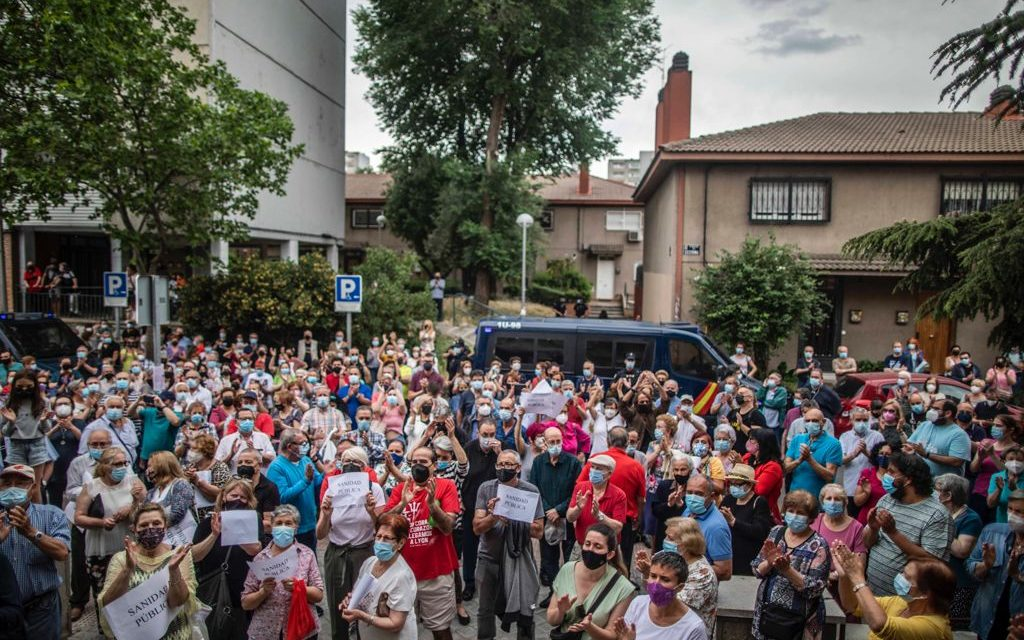 Las asociaciones vecinales se levantan contra la propuesta de cierre de centros de salud